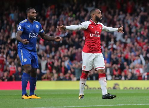 Rượt đuổi tỉ số, Arsenal thắng trận khai mạc Ngoại hạng Anh - Ảnh 2.
