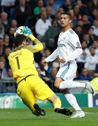 Trọng tài cứu giá, vua Real Madrid thoát hiểm trước Tottenham - Ảnh 2.
