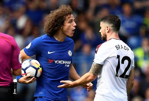 Nhận 2 thẻ đỏ, nhà vô địch Chelsea thua thảm sân nhà - Ảnh 6.
