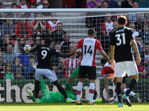 Man City đè bẹp Palace, Lukaku lấy 3 điểm cho Man United - Ảnh 4.