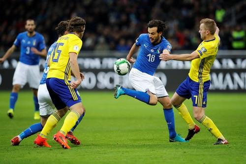 Dứt điểm kém, Ý mất vé World Cup vào tay Thụy Điển - Ảnh 3.