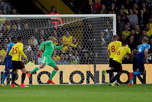 Ác mộng phút bù giờ, Arsenal ôm hận trận derby - Ảnh 3.