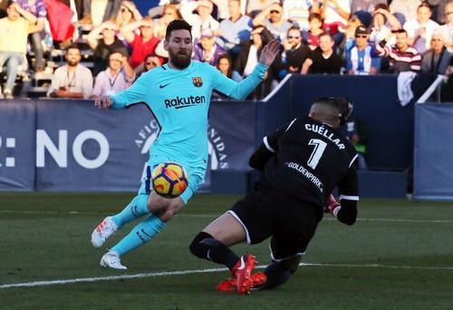 Barcelona vùi dập Leganes, derby Madrid đậm mùi bạo lực - Ảnh 4.