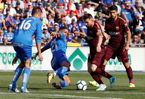 Thay người siêu hạng, Barcelona ngược dòng đánh bại Getafe - Ảnh 2.