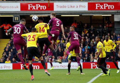 Aguero thăng hoa, Man City vững ngôi đầu giải Ngoại hạng - Ảnh 4.