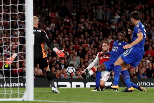 Rượt đuổi tỉ số, Arsenal thắng trận khai mạc Ngoại hạng Anh - Ảnh 7.
