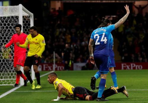 Ác mộng phút bù giờ, Arsenal ôm hận trận derby - Ảnh 4.