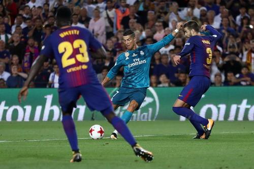 Ronaldo tỏa sáng, Barcelona thua tan tác siêu kinh điển - ảnh 4