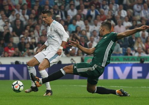 Dị nhân Ronaldo tái xuất, Real Madrid thua trắng Betis - Ảnh 2.