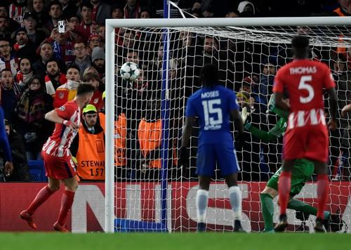 Chia điểm đáng tiếc ở Stamford Bridge, Chelsea mất ngôi đầu bảng - Ảnh 3.