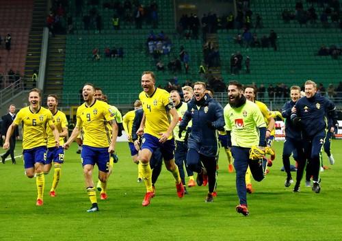 Dứt điểm kém, Ý mất vé World Cup vào tay Thụy Điển - Ảnh 6.