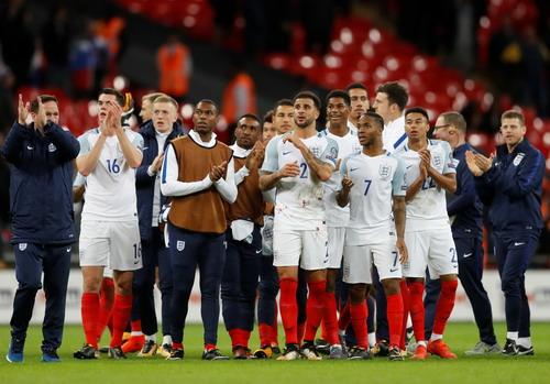 Hậu vệ tỏa sáng phút 90+4, tuyển Anh có vé dự World Cup - Ảnh 4.