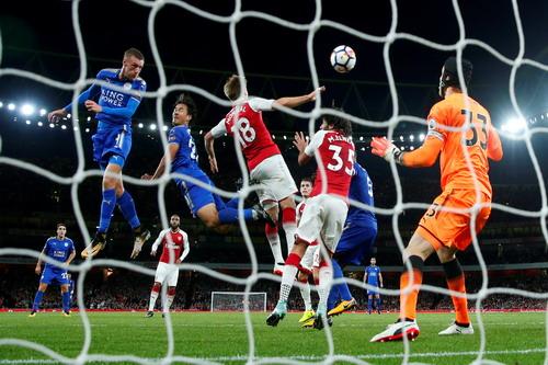 Rượt đuổi tỉ số, Arsenal thắng trận khai mạc Ngoại hạng Anh - Ảnh 5.