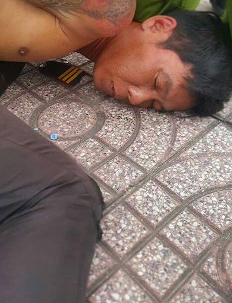 Soái ca bắt cướp giữa Sài Gòn làm xao xuyến cộng đồng mạng - Ảnh 2.