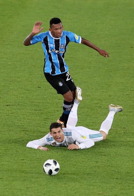 Ronaldo bỏ tập cả tuần trước thềm El Clasico - Ảnh 2.