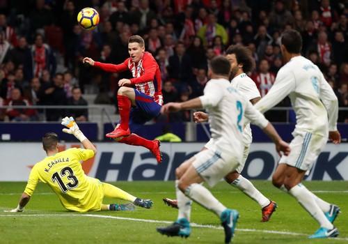 Barcelona vùi dập Leganes, derby Madrid đậm mùi bạo lực - Ảnh 6.