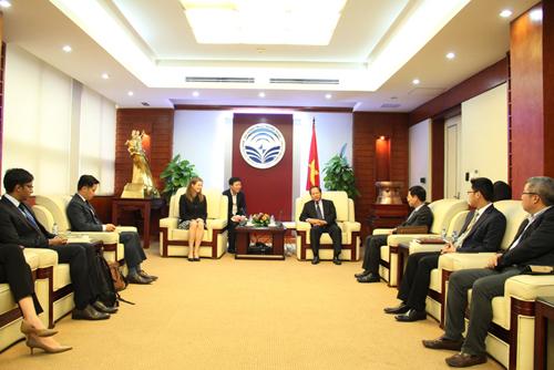 Bộ trưởng Bộ TT-TT Trương Minh Tuấn tiếp và làm việc với Đoàn đại biểu cấp cao Facebook