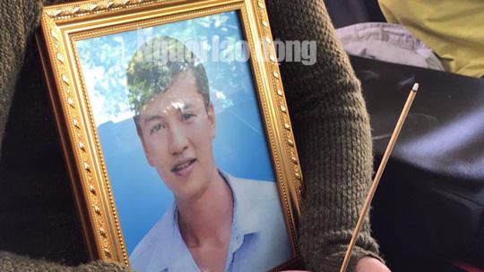 Clip: Nao lòng cảnh người nhà nhận thi thể tử tù Nguyễn Hải Dương - Ảnh 3.