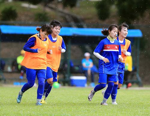 Ghi 3 bàn những phút cuối, nữ Việt Nam thắng đậm Philippines - Ảnh 8.
