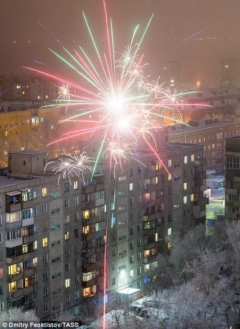 Châu Âu bắn pháo hoa chào năm 2018 - Ảnh 12.