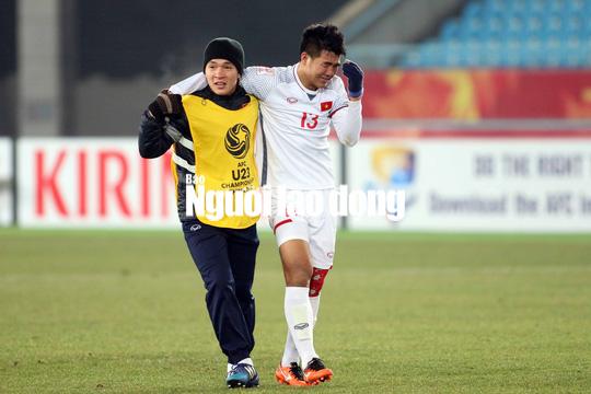 Những hình ảnh lấy nước mắt người hâm mộ của U23 Việt Nam - Ảnh 6.