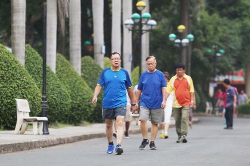 Tập thể dục: Đừng chỉ đi bộ - Ảnh 1.