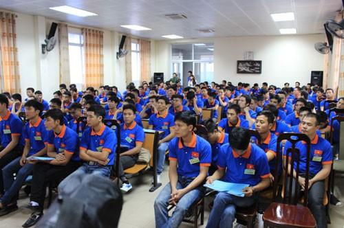 Hơn 100.000 lao động Việt Nam ra nước ngoài làm việc - Ảnh 1.