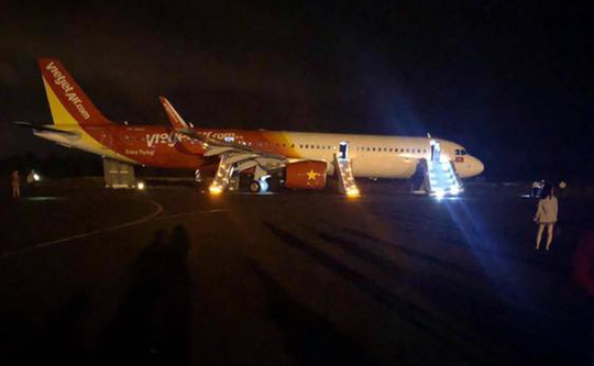 Máy bay gặp sự cố khi hạ cánh tại Buôn Ma Thuột, 6 hành khách chấn thương - Ảnh 1.