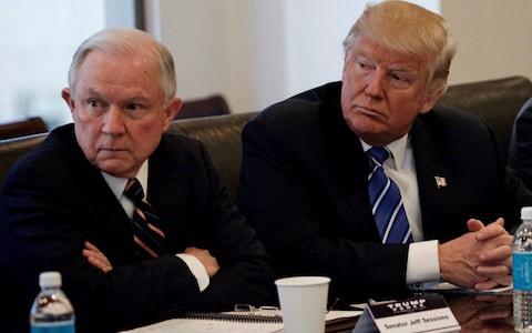Sa thải Bộ trưởng Tư pháp ngay sau bầu cử, ông Trump có mục đích  sâu kín? - Ảnh 1.