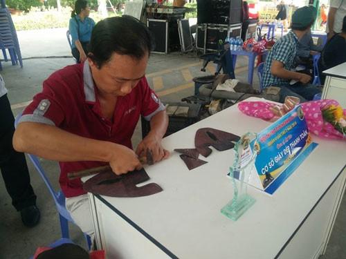 Quận 4, TP HCM tổ chức thi thợ giỏi ngành da giày - Ảnh 1.