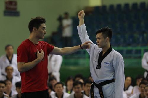 Sức hút của võ sư DK Yoo - Ảnh 1.