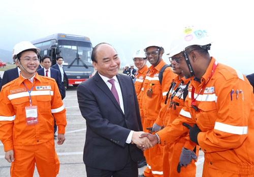 Thủ tướng Nguyễn Xuân Phúc: Tạo nền tảng cho phát triển nhanh và bền vững - Ảnh 4.