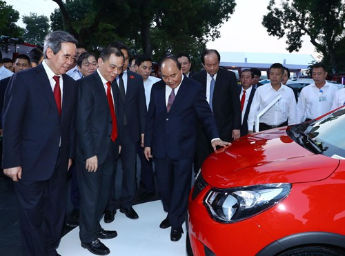 Thủ tướng Nguyễn Xuân Phúc: Tạo nền tảng cho phát triển nhanh và bền vững - Ảnh 1.