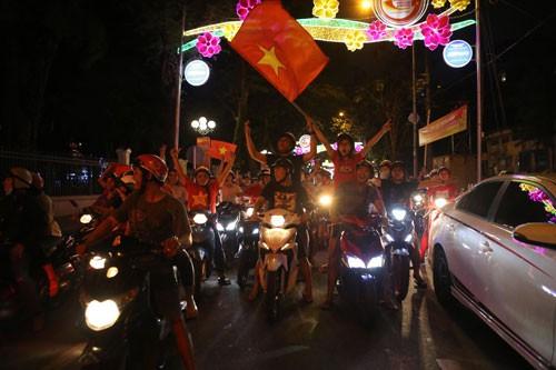 Xin lỗi CĐV Iraq, Việt Nam thắng thuyết phục - Ảnh 1.