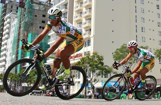 Tay đua Hà Thanh Tâm bị tai nạn phải cấp cứu - Ảnh 2.