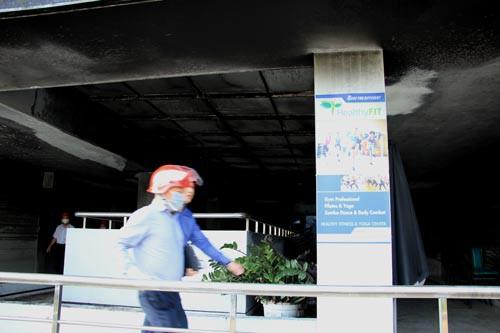 Khởi tố điều tra vụ cháy chung cư Carina - Ảnh 1.