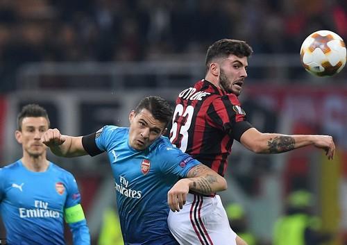 Arsenal bùng nổ khó tin, AC Milan thua tan tác sân nhà - Ảnh 2.