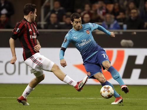 Arsenal bùng nổ khó tin, AC Milan thua tan tác sân nhà - Ảnh 3.