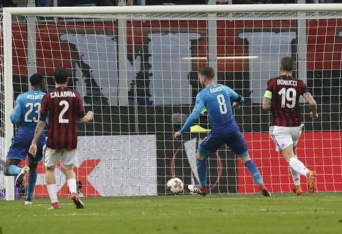 Arsenal bùng nổ khó tin, AC Milan thua tan tác sân nhà - Ảnh 5.