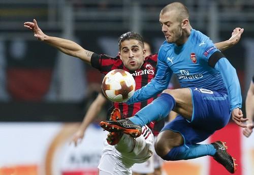 Arsenal bùng nổ khó tin, AC Milan thua tan tác sân nhà - Ảnh 1.