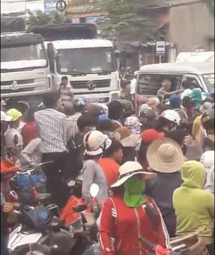 Bình Định: Không được chặn xe QL1, dân đến trụ sở xã phản đối - Ảnh 3.