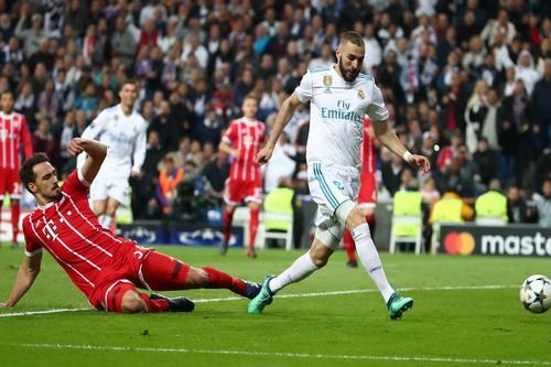 Người hùng Cuneyt Cakir trao vé chung kết cho Real Madrid - Ảnh 5.