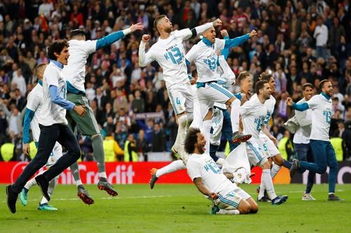Người hùng Cuneyt Cakir trao vé chung kết cho Real Madrid - Ảnh 9.