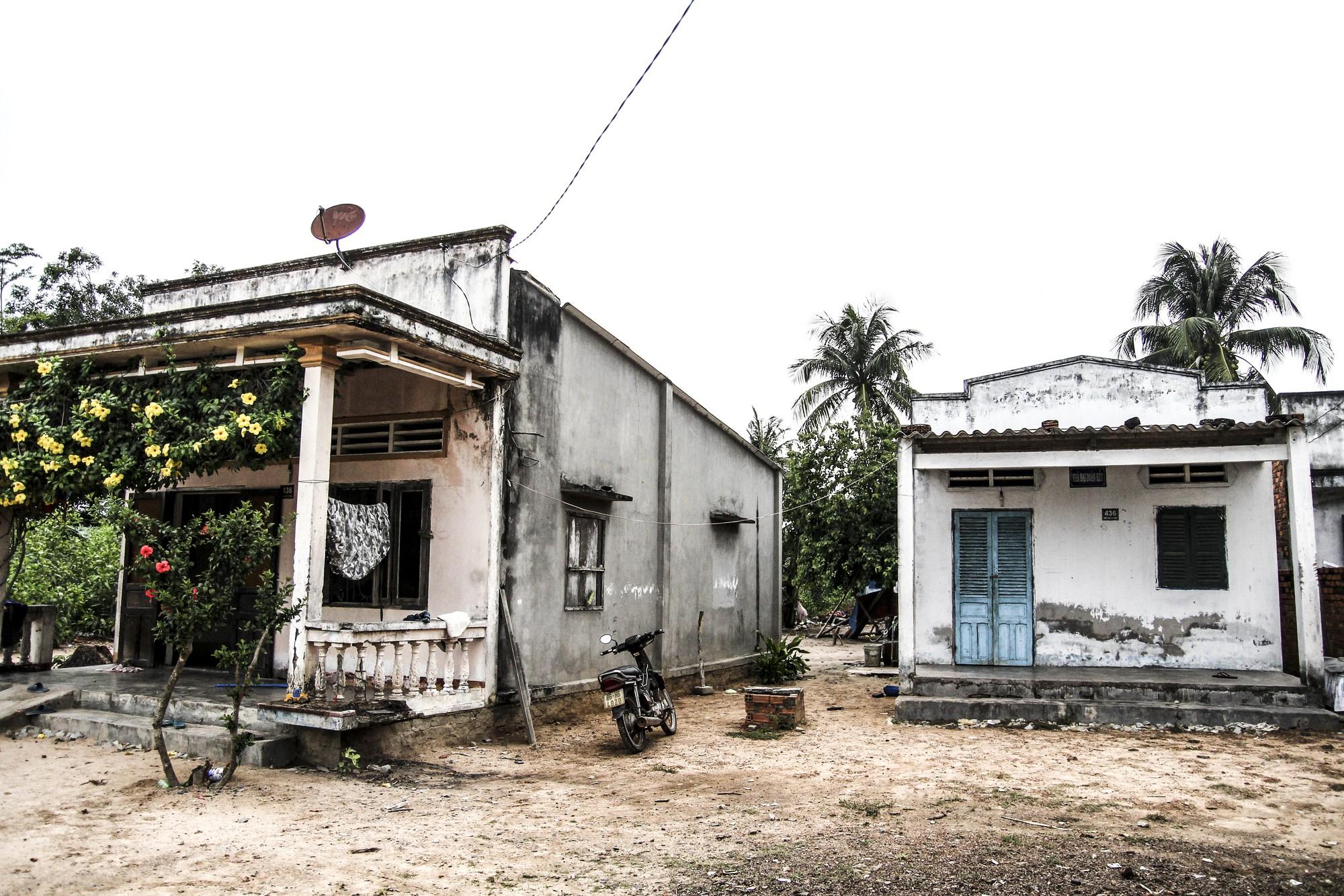 (eMagazine) - Cuộc đời khốn khổ của người mẹ chôn sống con ở Bình Thuận - Ảnh 3.