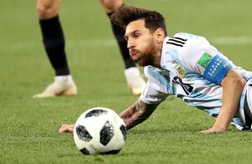 Không ai kết bạn với Messi - Ảnh 1.