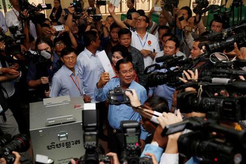 Cuộc đấu ngầm trong bầu cử Campuchia - Ảnh 1.