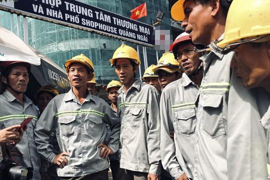 Nhà thầu nợ lương, hàng chục lao động thời vụ lao đao - Ảnh 1.