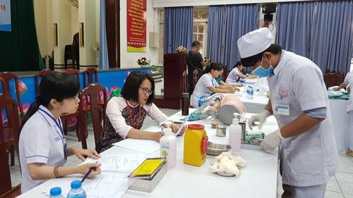 Rèn giũa kỹ năng nghề cho điều dưỡng - Ảnh 1.