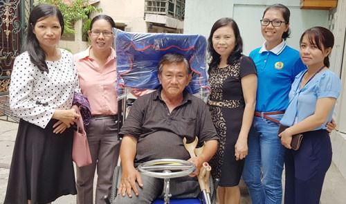 Hỗ trợ phương tiện đi lại cho công nhân bị tai nạn lao động - Ảnh 1.