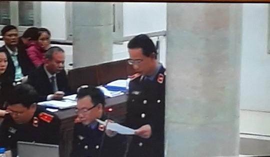 Tòa xử ông Đinh La Thăng: Luật sư đề nghị triệu tập thêm nhân chứng - Ảnh 4.